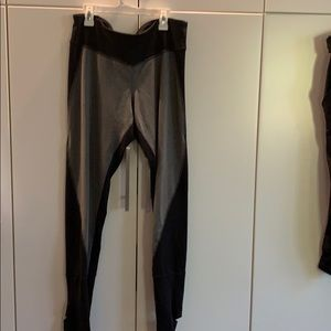 Workout leggings with stirup